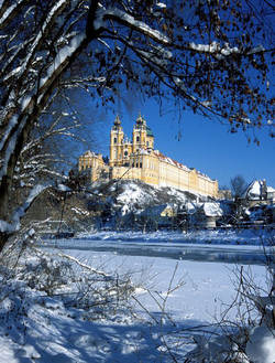 Stift Melk im Winter